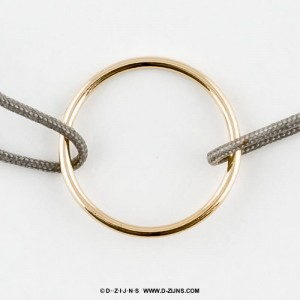 D-ZIJNS SATIJN ARMBAND 1 GOLD PLATED CIRCLE OF LIFE